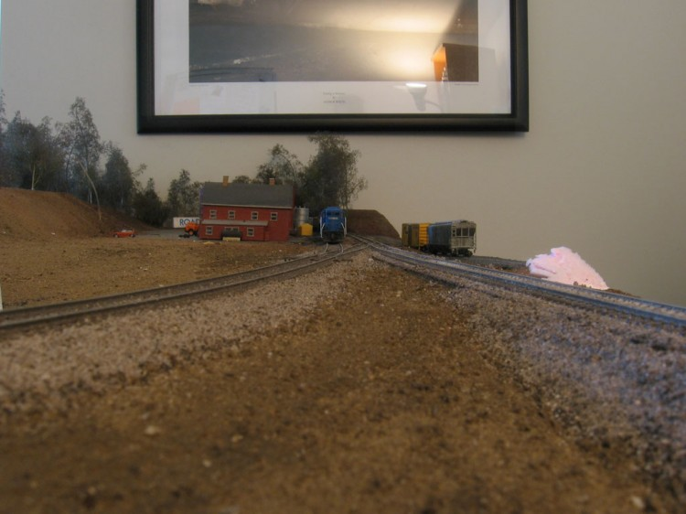 Finished area between the tracks.
